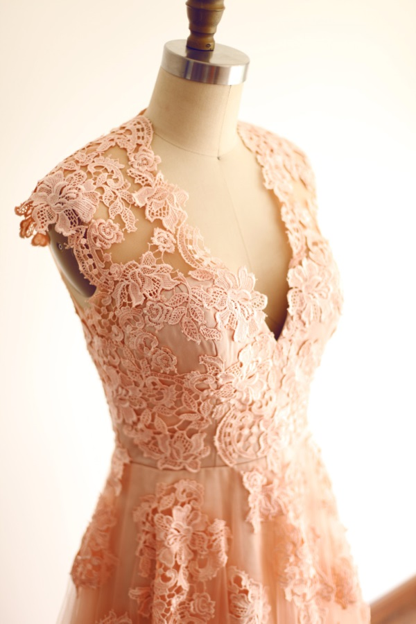 Reem acra blush lace wedding dress 2016 2017 b2b fashion for Peach dresses for wedding