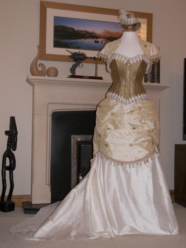 Purple steampunk wedding dress 2016 2017 b2b fashion for Steampunk corset wedding dress