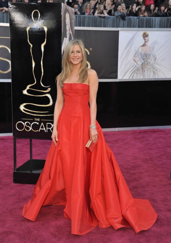 Jennifer Aniston red carpet dresses 2017-2018 | B2B Fashion