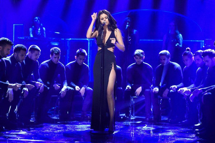 Selena-Gomez-Black-Slit-Dress-SNL