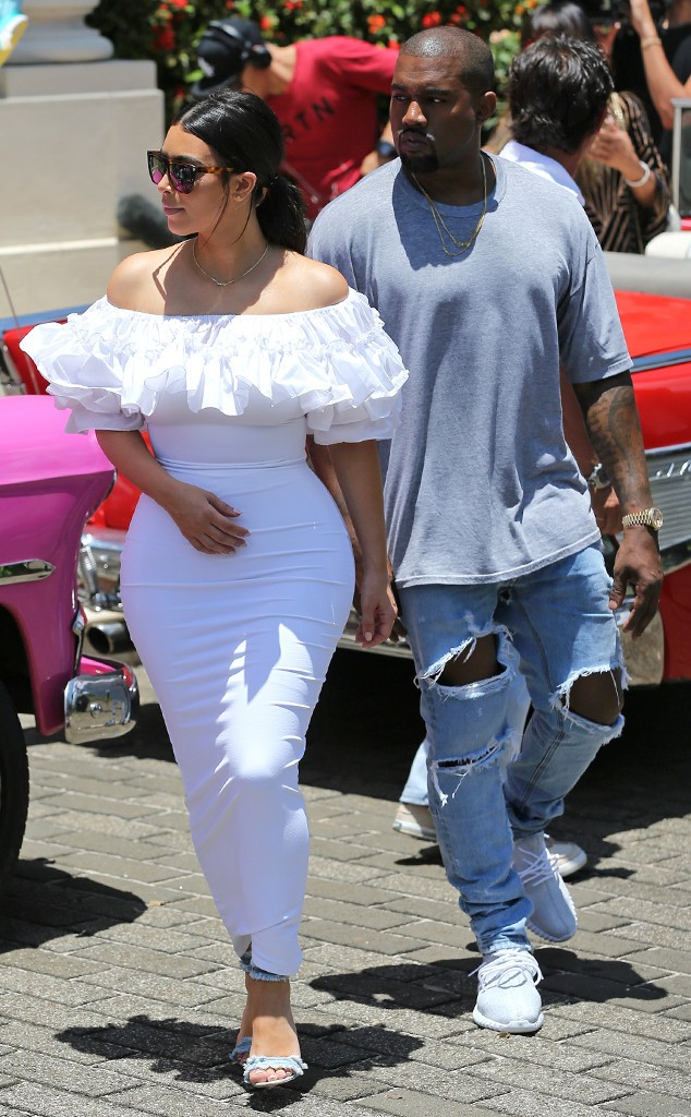 rs_634x1024-160505180512-634.Kim-Kardashian-Kanye-West-Cuba.ms.050516