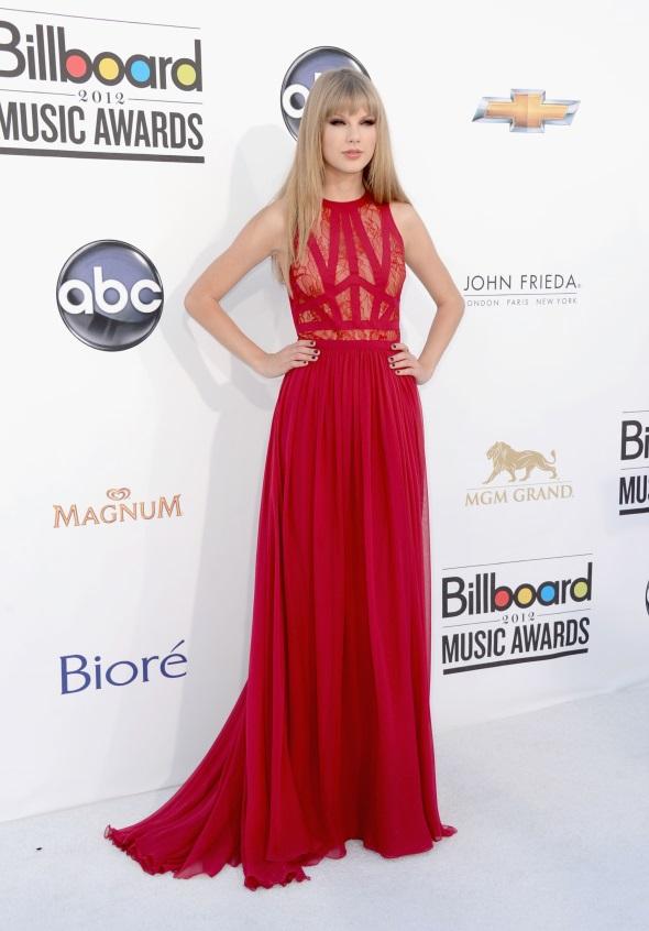 Taylor Swift red carpet dresses 2017-2018