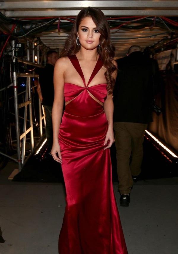 Selena Gomez Red Dress Photoshoot - obatbatukberdarah