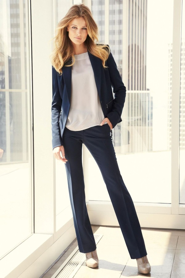 Business Casual Women Attire