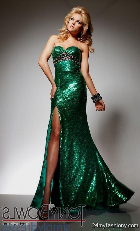 dark emerald green prom dress looks | B2B Fashion