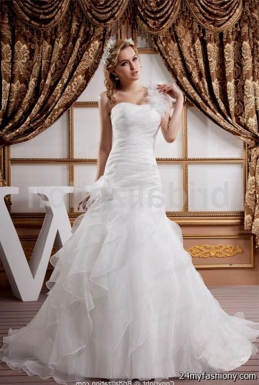 Most beautiful wedding dresses in history 2016 2017 b2b for Most gorgeous wedding dresses