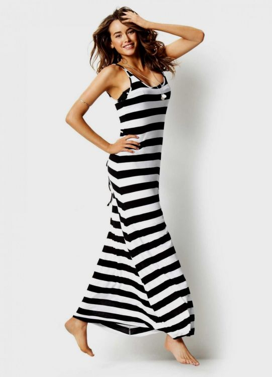 Black And White Striped Maxi Dress Outfit Looks B2b Fashion