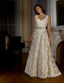 Casual Wedding Dress For Older Bride Looks B2b Fashion