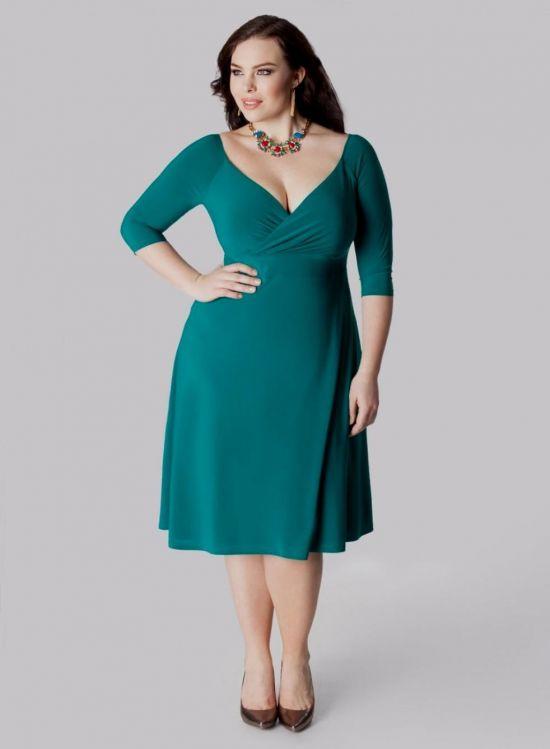 Emerald green dresses plus size