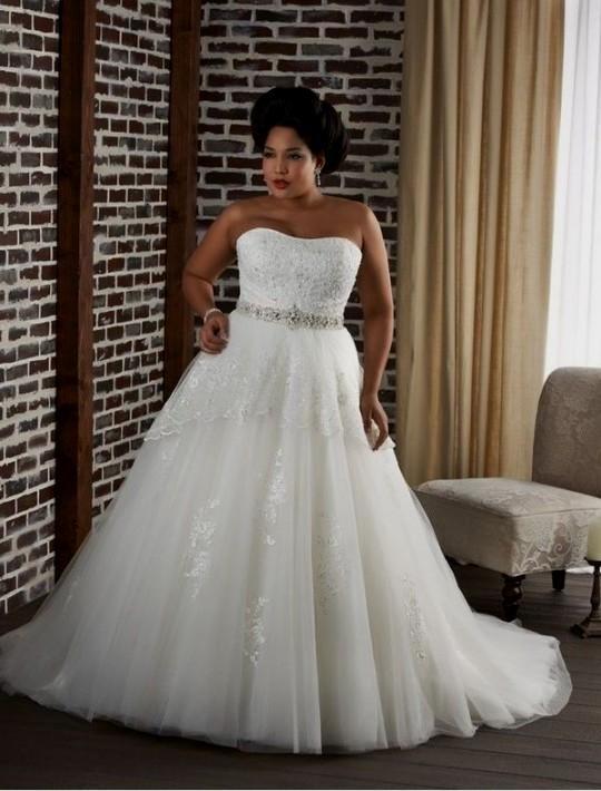 Plus size ivory lace wedding dresses