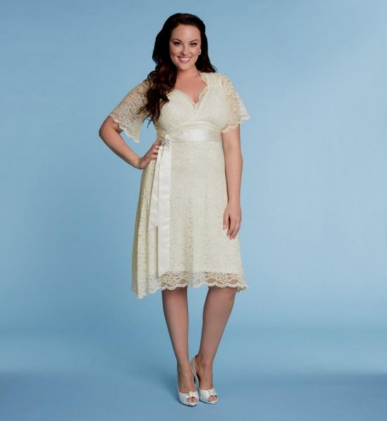ivory plus size dress looks | B2B Fashion