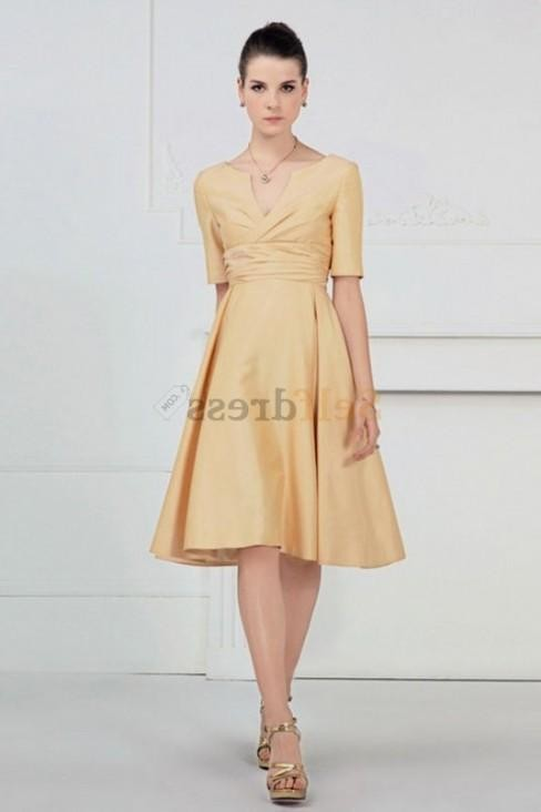 Cute short dresses with sleeves