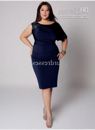 navy blue plus size bridesmaid dresses looks | B2B Fashion