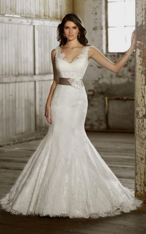 Plus size fit and flare wedding dresses 2016 2017 b2b for Fitted wedding dresses for plus size