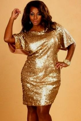 Plus size gold sequin dress looks | B2B Fashion