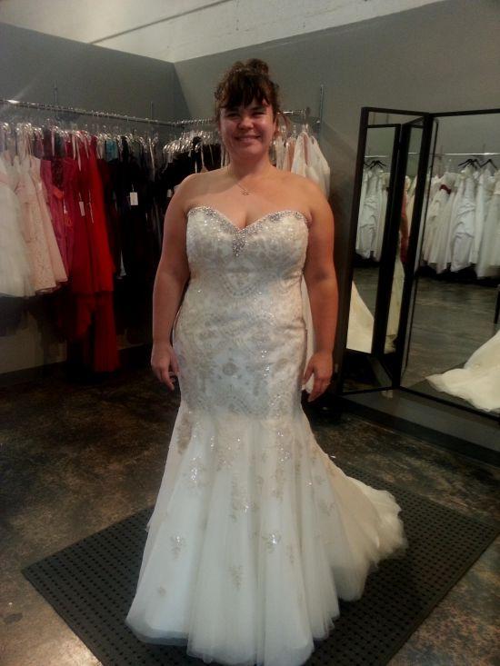 Plus size gold wedding dresses 2016 2017 b2b fashion for Size 24 dresses for wedding