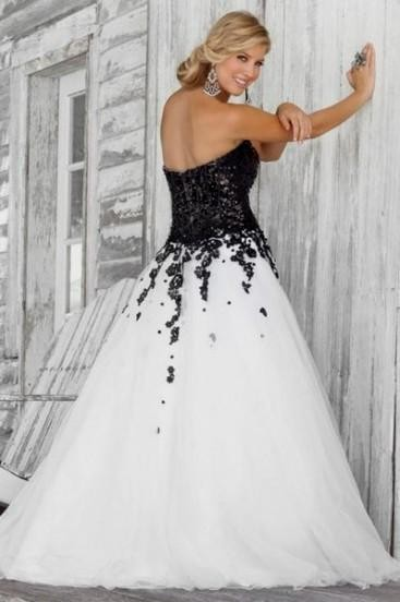 Plus size prom dresses black and white 2016 2017 b2b fashion for Black and white plus size wedding dresses