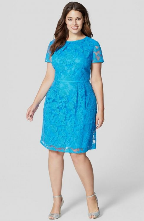 Dress styles for plus size ladies