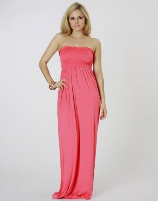 9619bf1b21 You can share these strapless summer maxi dresses on Facebook