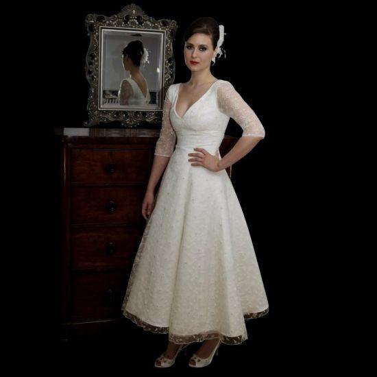 Vintage Tea Length Lace Wedding Dress Looks
