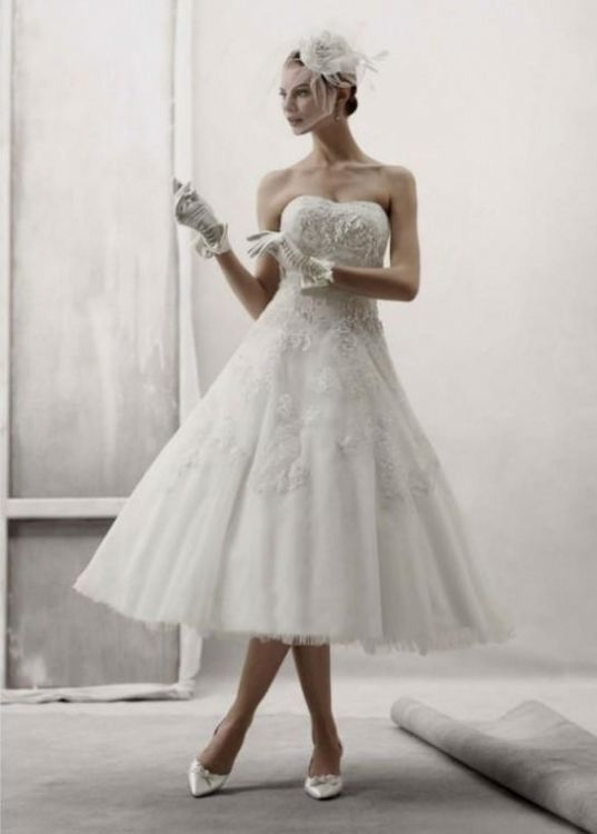 Vintage tea length strapless wedding dresses 2016 2017 for Black tea length wedding dress