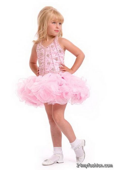 Girls Party Dresses. An invitation to a birthday party or other big event is an exciting bit of mail for a little girl. Going to the store to find the perfect gift, choosing a pretty outfit, and finding the perfect hairstyles can all be fun and exciting events.