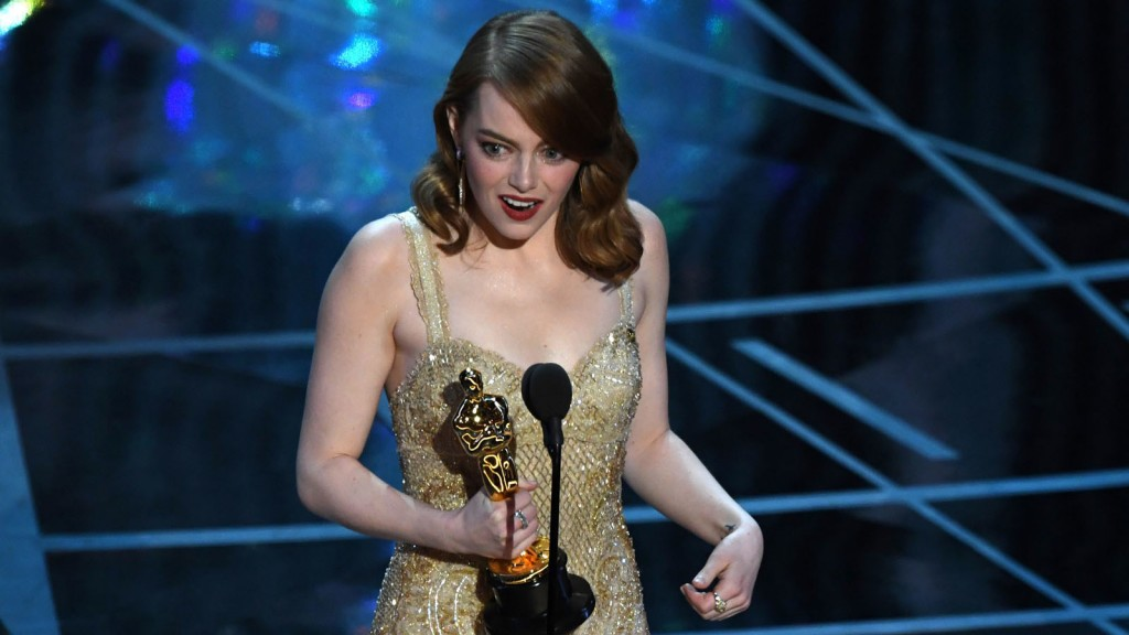 emma-stone-accepts-the-oscar-for-best-actress-20170226