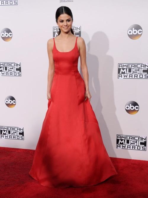 Selena Gomez Red Dress 2017-2018   B2B Fashion