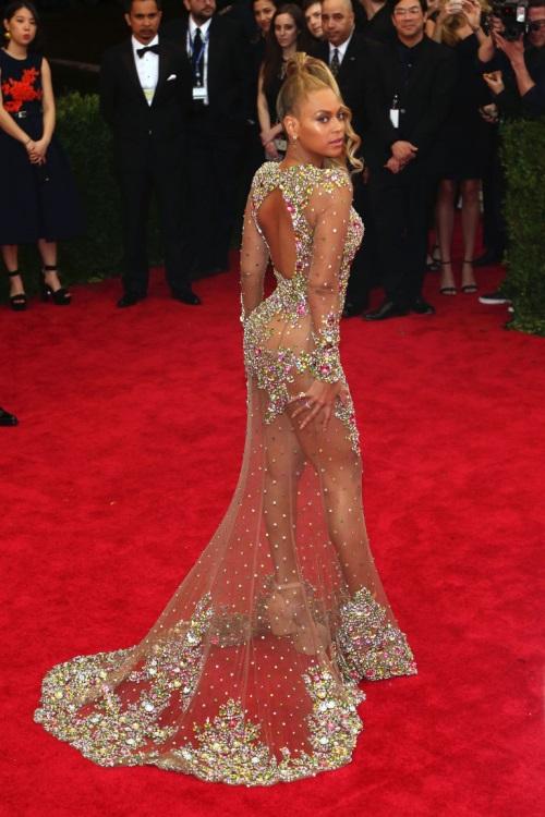 Celebrity fashion: Beyonce
