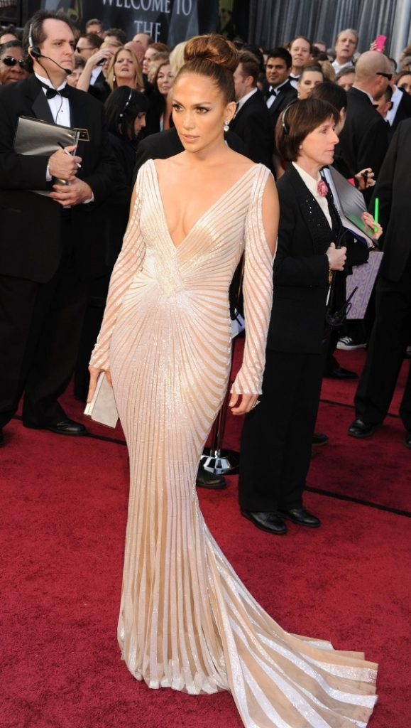 jennifer lopez red carpet dresses video b2b fashion