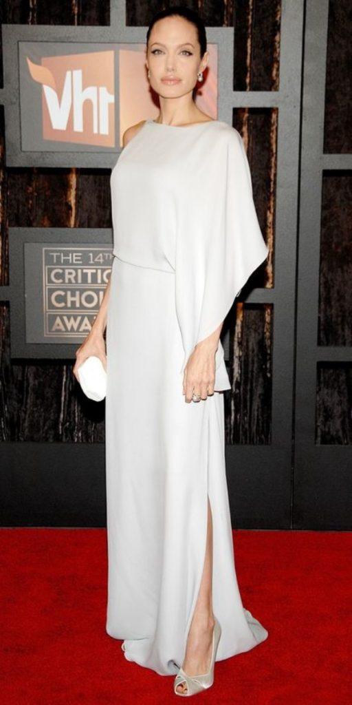 50 Best Angelina Jolie S Red Carpet Dresses B2b Fashion