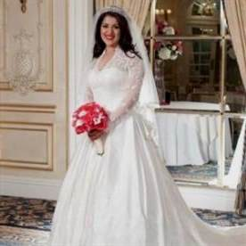 Kate middleton wedding dress replica david s bridal 2017 for Kate middleton wedding dress where to buy