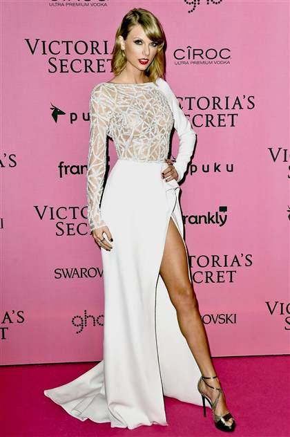 taylor swift white dress 2017-2018