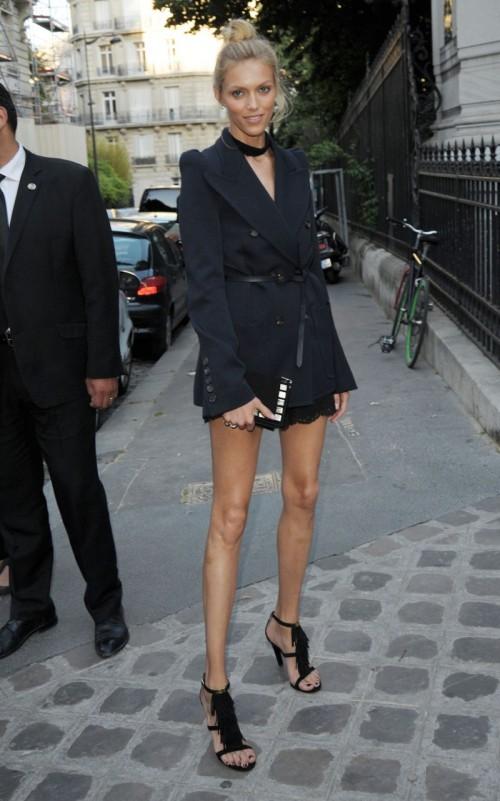 Anja_Rubik_-_Vogue_Party_at_Paris_Fashion_Week_-_July_2015.jpg