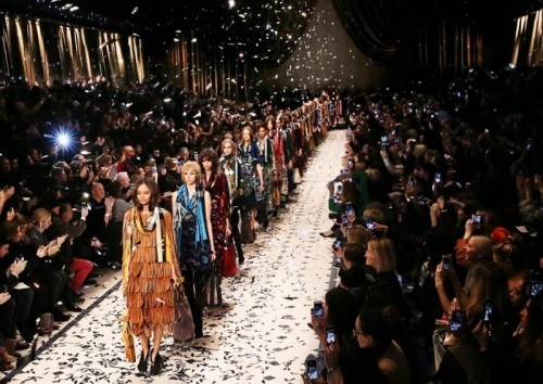 Burberry_Womanswear_London_Fashion_Week_Autumn_Winter_AW_2015.jpg