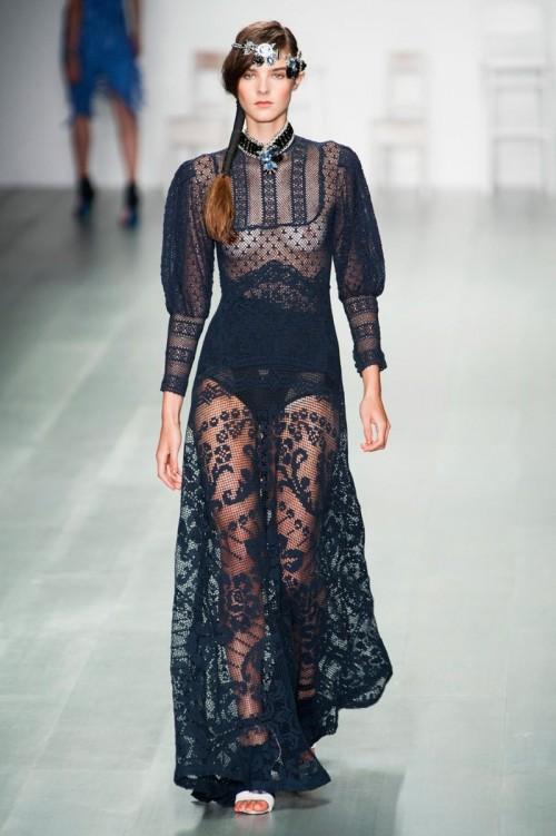 SAMYE_SEKSUALNYE_NARYDY_London_Fashion_Week_VESNA-LETO_2015_18_FOTO.jpg
