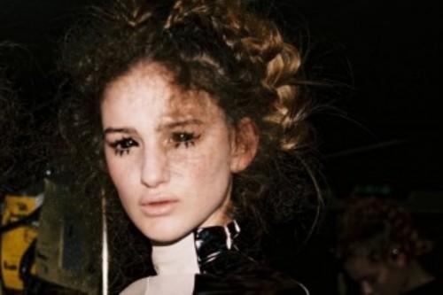 Dorhout-Mees-AW16-Paris-Fashion-Week-photo-Celine-Bischoff-330x220.jpg