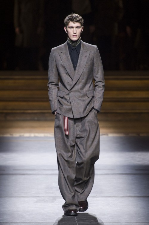 Dries-Van-Noten-Fall-Winter-2016-Paris-Fashion-Week-4.jpg