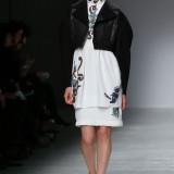 GuyLarocheRunwayParisFashionWeekWomenswear_FOK3tzzH81l