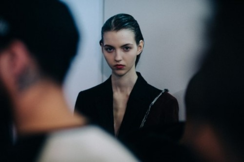 Le-21eme-Adam-Katz-Sinding-Backstage-Yang-Li-Paris-Fashion-Week-Fall-Winter-2016-2017_AKS5717-600x399.jpg