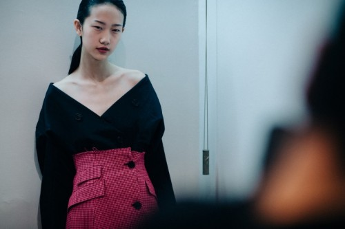 Le-21eme-Adam-Katz-Sinding-Backstage-Yang-Li-Paris-Fashion-Week-Fall-Winter-2016-2017_AKS5777-1500x998.jpg
