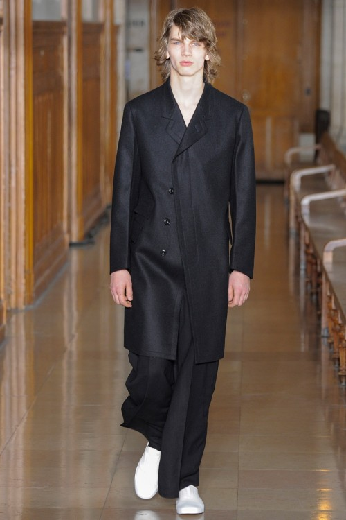 Lemaire-Fall-Winter-2016-Paris-Fashion-Week-1.jpg