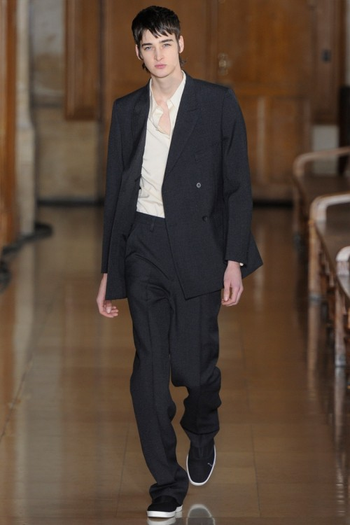 Lemaire-Fall-Winter-2016-Paris-Fashion-Week-7.jpg