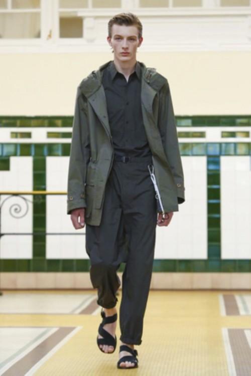 Lemaire-Menswear-SS-2017-Paris-3.jpg