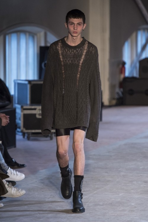 Maison-Margiela-Fall-Winter-2016-Paris-Fashion-Week-2.jpg