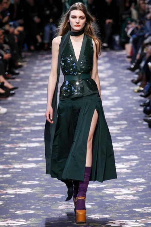 Rochas_fall_winter_2016_2017_collection_Paris_Fashion_Week6.jpg