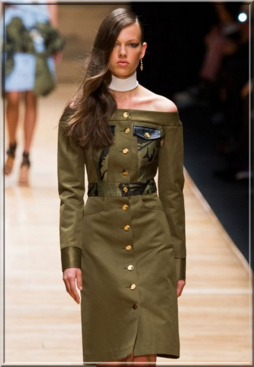 The-Sloping-Shoulders-Dress-Guy-Laroche-at-Fashion-Week-Spring-Summer-Paris.jpg