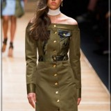 The-Sloping-Shoulders-Dress-Guy-Laroche-at-Fashion-Week-Spring-Summer-Paris