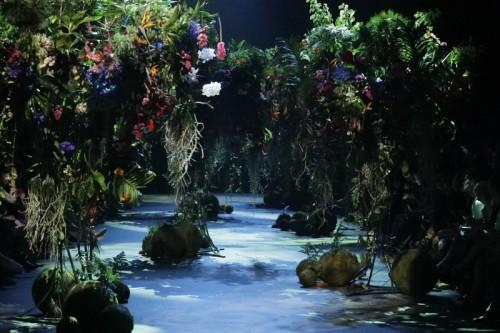 asvof-2016-07-14-highlight-i-amsterdam-fashion-week-ss17-liselore-frowijns-resort-2017-more-botanist.jpg
