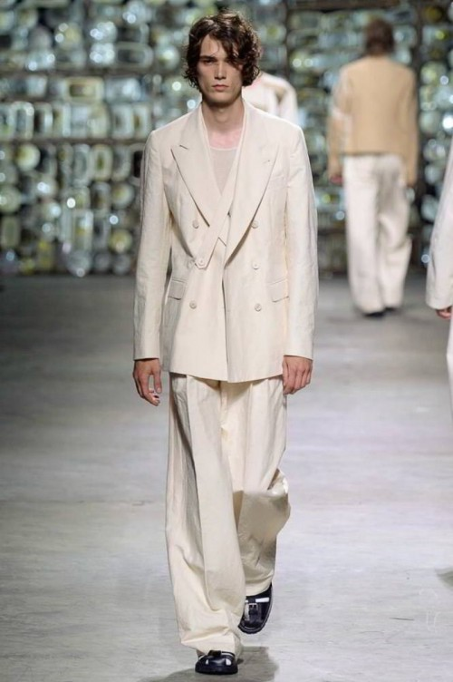 dries-van-noten-spring-summer-2017-paris-fashion-week-06.jpg